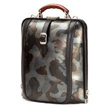 アートフィアーのダレスバッグ