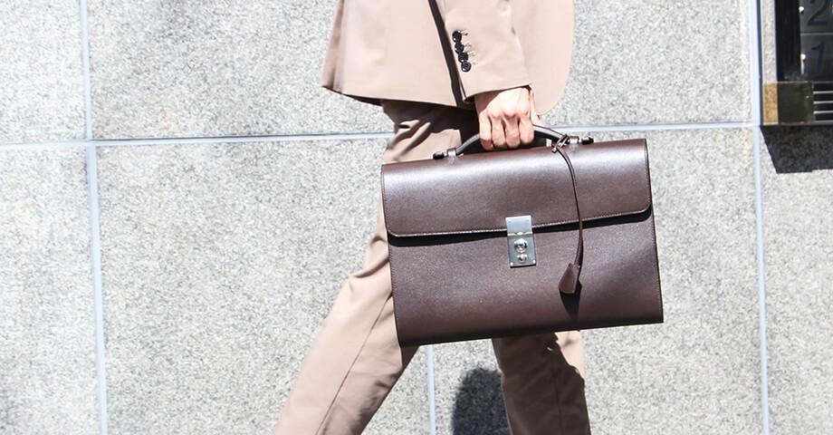 ヨネザワレザー Yonezawa leather のトートバッグやクラッチバッグ