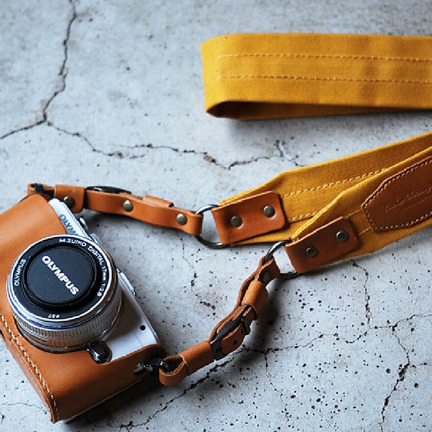8000円のカメラストラップ