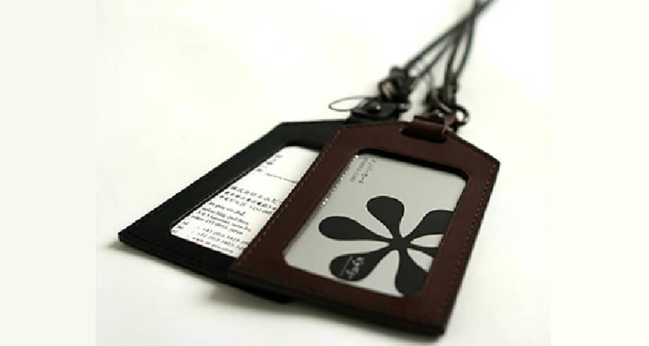 エムピウのIDカードケース amuleto