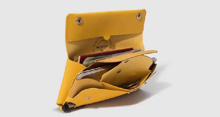 ファブリックの多彩なパスポートケース